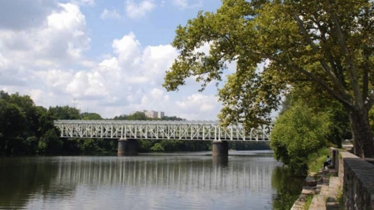 The body of an unidentified woman was discovered in the Schuylkill River by the Falls Bridge this morning. (NewsWorks file)