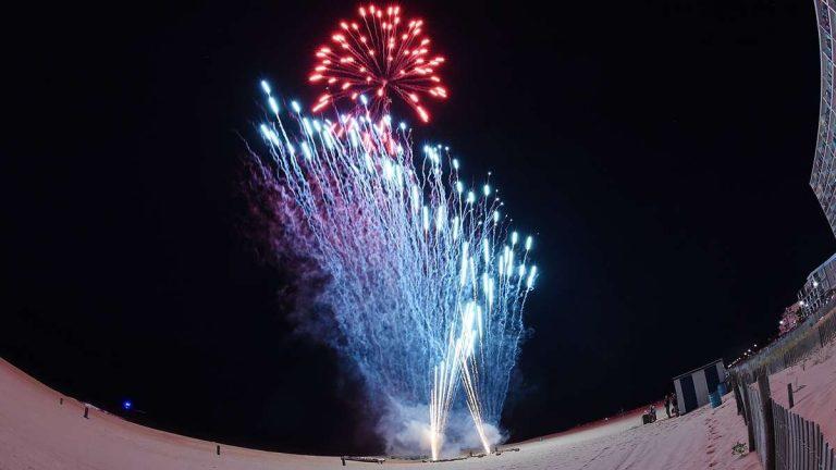 Fireworks explode over Rehoboth Beach in 2014. (Chuck Snyder/for NewsWorks)