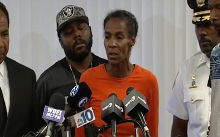 Phyllis McDole, mother of Jeremy McDole, the man in a wheelchair who was shot by Wilmington Police, spoke during a press conference on Sept 24.(Charlie O'Neill/WHYY)