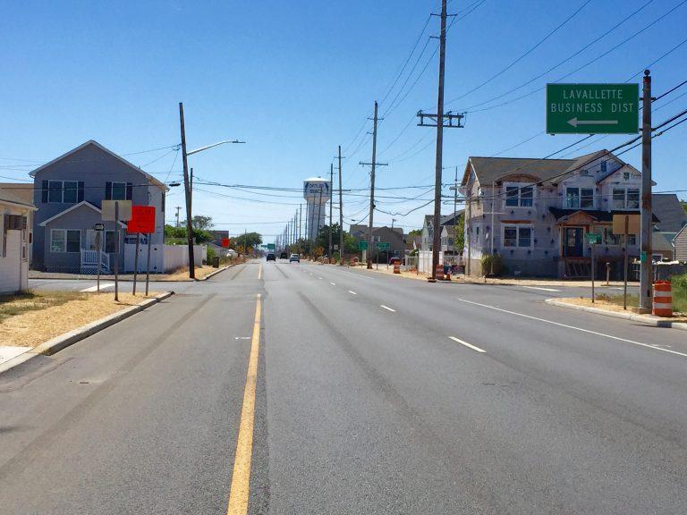 Route 35 in Lavallette on Labor Day. (Photo: Justin Auciello/for NewsWorks)