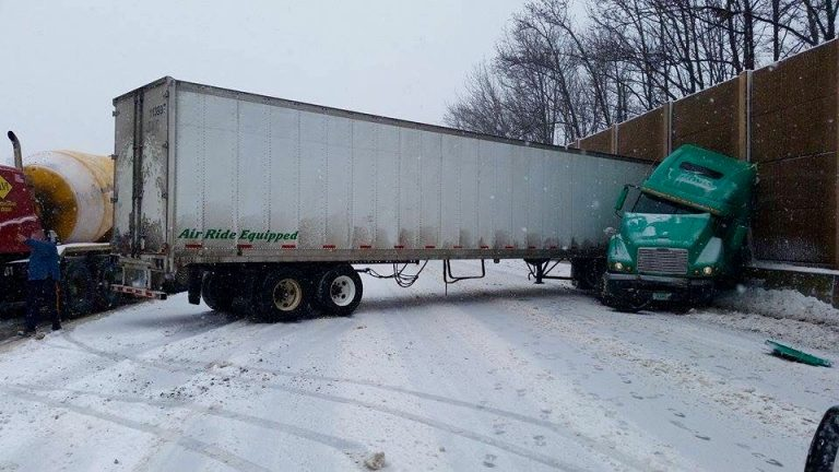 A jack-knifed tractor-trailer on the New Jersey Turnpike in Edison Tuesday morning. (Photo: JSHN)