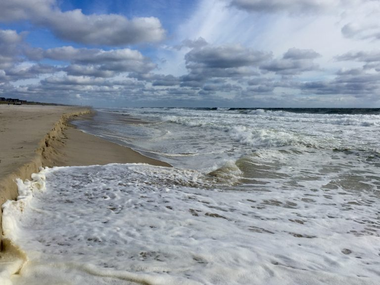 Rough ocean conditions Monday morning in South Seaside Park. (Photo: Justin Auciello/for NewsWorks)