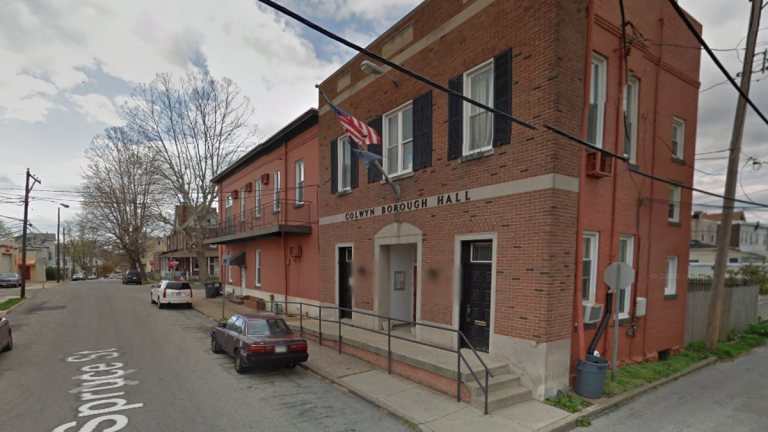 Colwyn Borough Hall in Darby, Pennsylvania. (Image via Google Earth Street View)