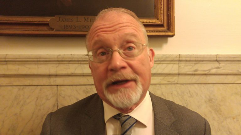 Councilman Bill Greenlee has proposed establishing the post in the city's managing director's office to act as a 'go-between' when employees accuse a business of wage theft. (Tom MacDonald/WHYY)