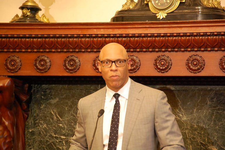 Philadelphia School Superintendent William Hite makes announcement about Muslim holidays. (Tom MacDonald/WHYY)