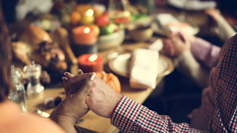 (<a href='http://www.bigstockphoto.com/image-151330193/stock-photo-thanksgiving-celebration-tradition-family-dinner-concept'>Rawpixel.com</a>/Big Stock Photo)