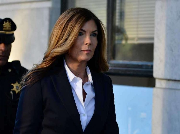 Former Pennsylvania Attorney General Kathleen Kane arrives at the Montgomery County Courthouse in Norristown, on Oct. 24, 2016, for her sentencing after being found guilty of nine criminal charges, including perjury and criminal conspiracy. (Bastiaan Slabbers for WHYY, file)