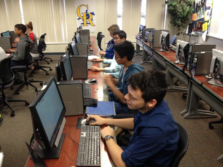 Students at Caesar Rodney High School work on computers. (Avi Wolfman-Arent, NewsWorks)