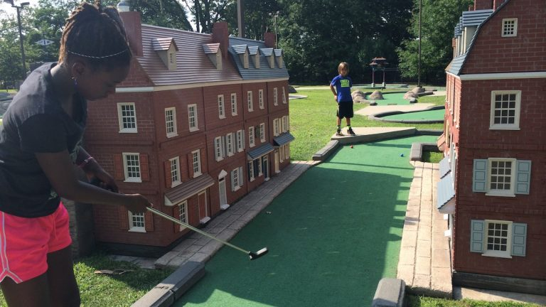 Head to Franklin Square to play a round of Philly-themed mini golf. (Jen Bradley/for NewsWorks)
