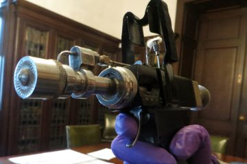 A 'jet gun' used to give the smallpox vaccine. (Taunya English/WHYY)