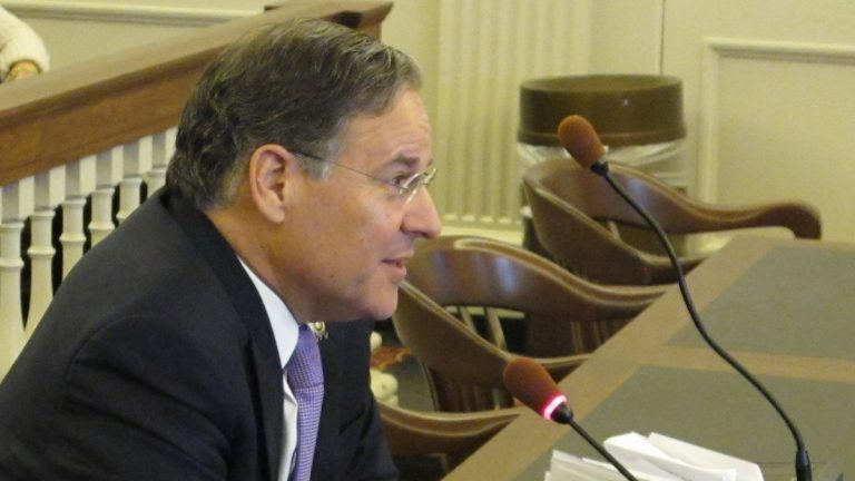 Assemblyman Jon Bramnick tells an Assembly committee why the legislation is needed (Phil Gregory/WHYY)