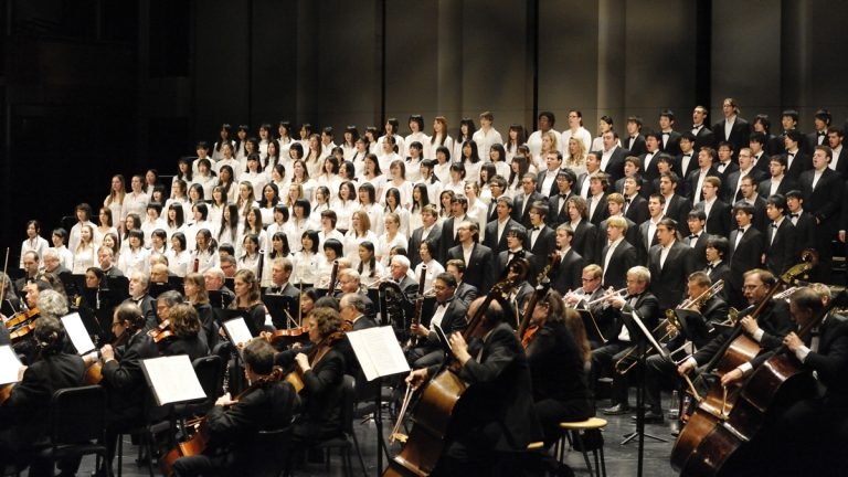 A Japanese choral group performs in New York as part of the Hand in Hand project. (Philaharmonia Orchestra of New York)