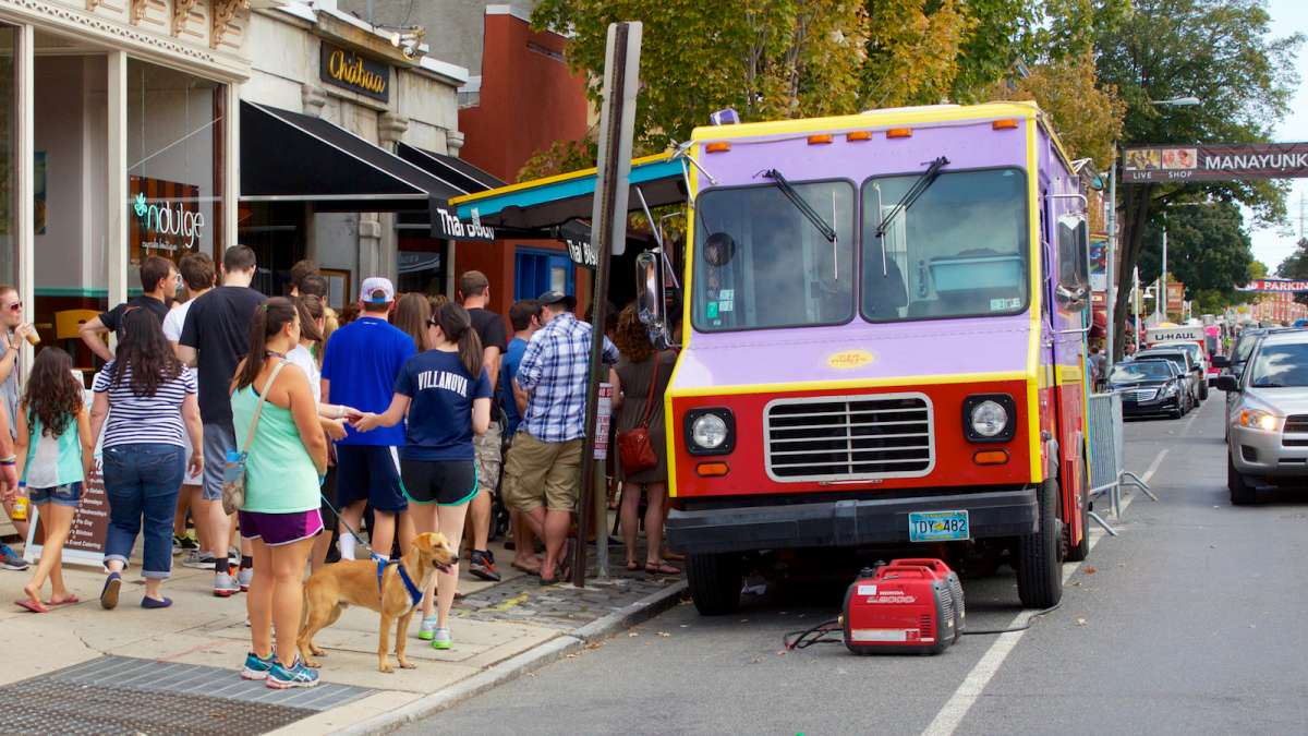 A scene from last year's Manayunk Fall StrEAT Festival. (Jana Shea/for NewsWorks, file)