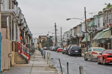 Residents of this Kensington block are celebrating a bust that took drug dealers away. (Kimberly Paynter/WHYY)