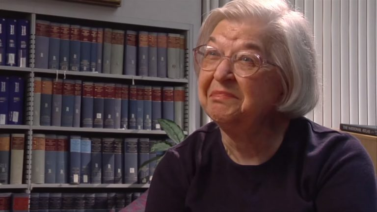 Chemist and entrepreneur Stephanie Kwolek. (Image courtesy of the Chemical Heritage Foundation)