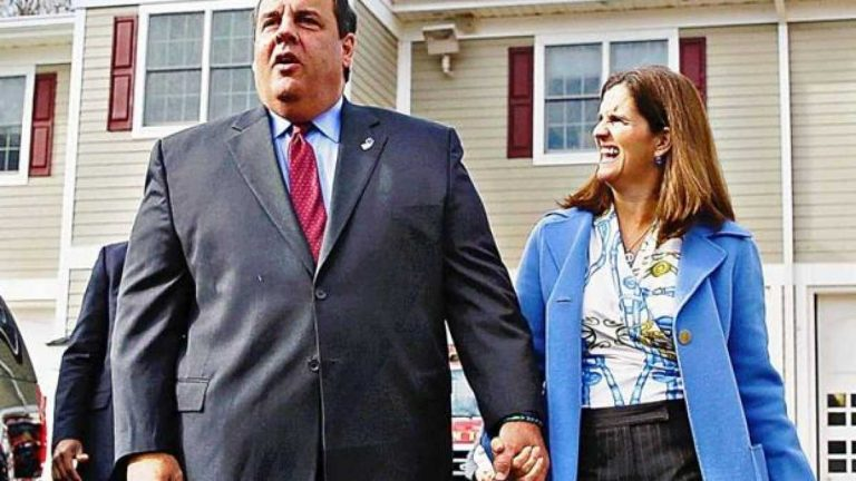 Chris Christie and his wife Mary Pat