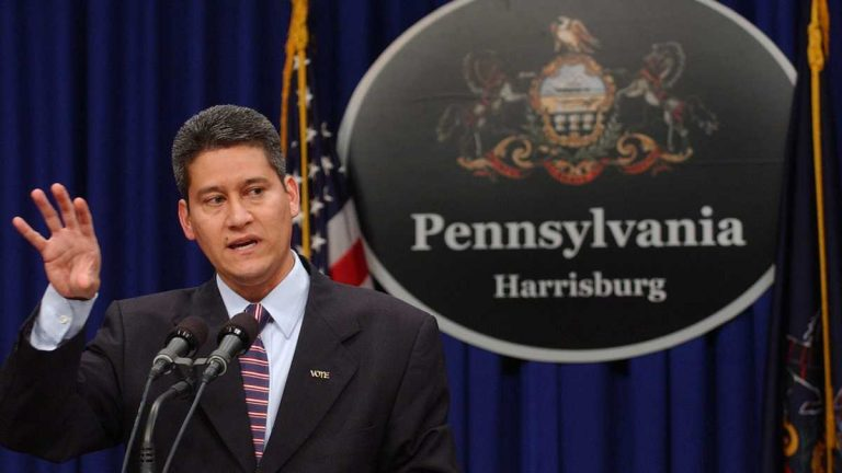 Pennsylvania Secretary of State Pedro A. Cortés says offering online voter registration will cut costs and reduce errors in the voter rolls. (AP file photo)
