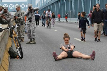 People play on the Ben Franklin Bridge during the Pope's visit to Philadelphia in September 2015. (Emma Lee/WHYY)