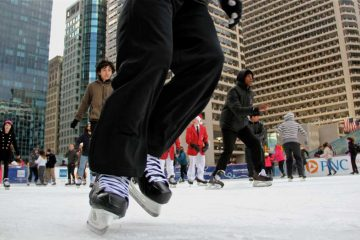 Head to Dilworth Park on Sunday between noon and 1:30 p.m. to skate with the Flyers. (Emma Lee/WHYY)