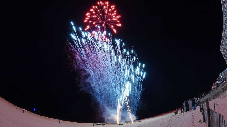 Fireworks explode over Rehoboth Beach in 2014. (Chuck Snyder/for NewsWorks)