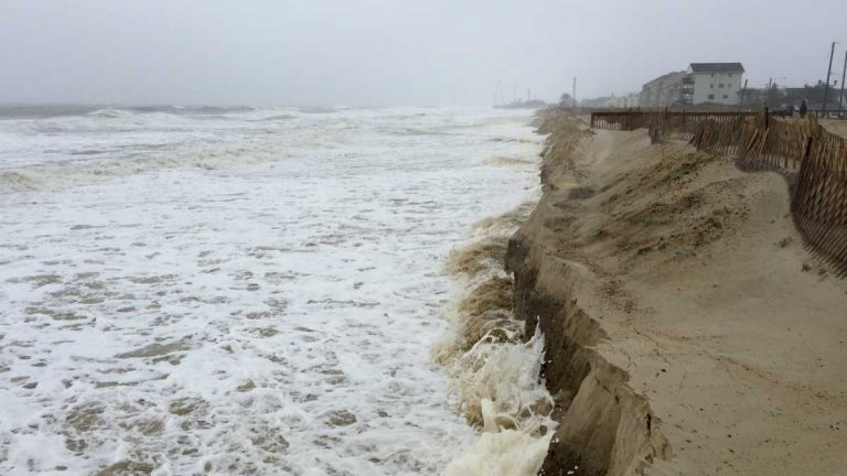 During high tide in Ortley Beach on Oct. 3, 2015. (Photo: Justin Auciello/for NewsWorks)