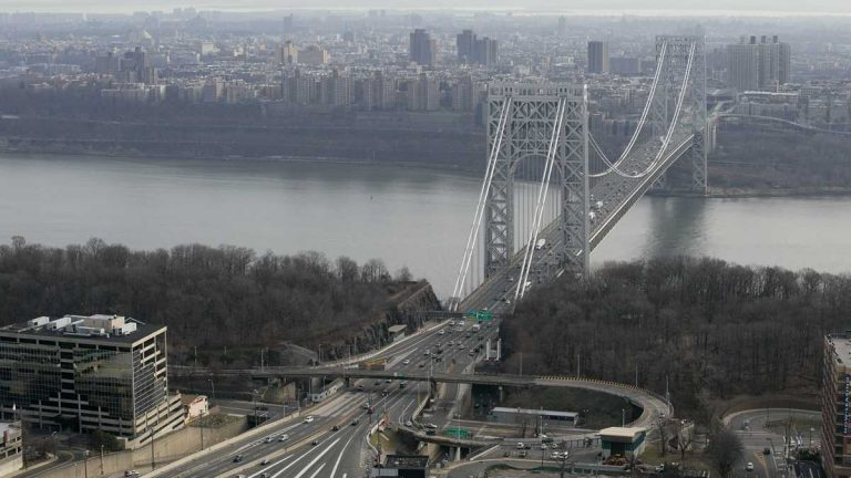 George Washington Bridge connects Fort Lee, N.J. to New York City. (AP Photo/Mark Lennihan)