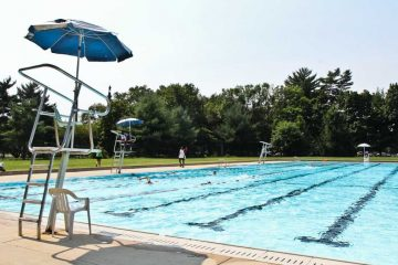 Head to one of Philadelphia's public pools this weekend. (NewsWorks file photo)