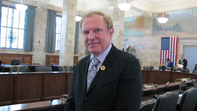 New Jersey Sen. Ray Lesniak is one of two state lawmakers leading opposition to changes in the state's flood-control regulations. (NewsWorks file photo)