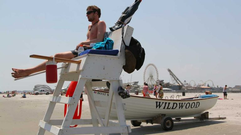 A lifeguard protects the beaches at Wildwood. (Emma Lee/WHYY)