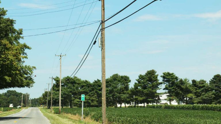 16 New Jersey towns say Verizon is not maintaining its landline service. (Joe Hernandez/WHYY)