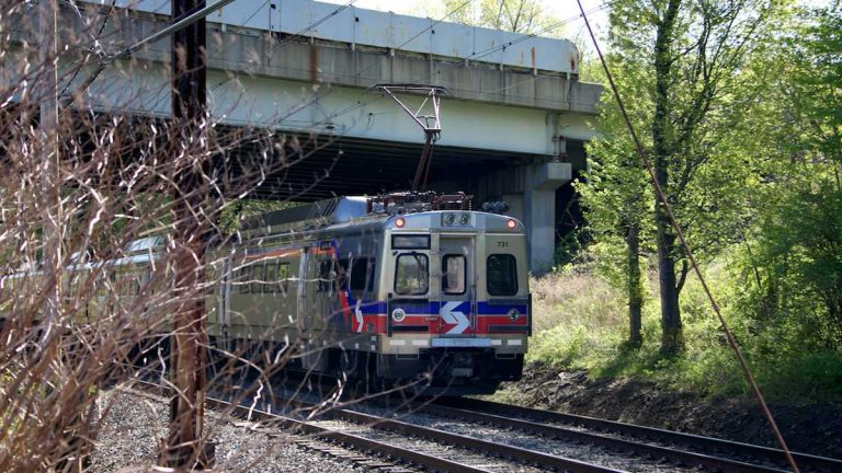 SEPTA Regional Rail trains move thousands of commuters daily. (Nathaniel Hamilton/WHYY, file)