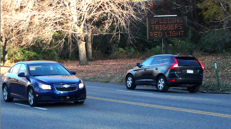 The Philadelphia Streets Department is using sensors to monitor speed on Kelly Drive. (Brian Hickey/WHYY)