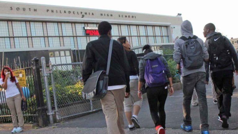Students arrive for class at South Philadelphia High School (Kimberly Paynter/WHYY)