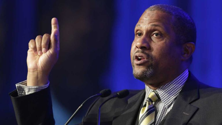 Author and talk show host Tavis Smiley is shown speaking at Book Expo America in 2014. (AP Photo/Mark Lennihan, file)