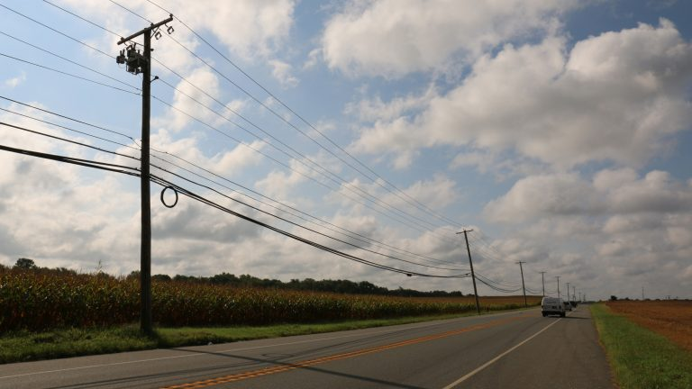 The New Jersey Board of Public Utilities will investigate landline and broadband reliability problems with Verizon in 16 South Jersey towns. (Joe Hernandez/WHYY)