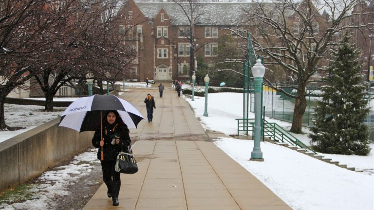 A late snow dampens the La Salle campus (Emma Lee/WHYY)