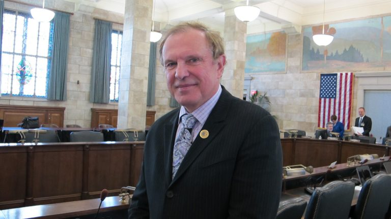 New Jersey Sen. Ray Lesniak, a 40 year veteran of the state Legislature, plans to run for governor in 2017. (Phil Gregory/WHYY)