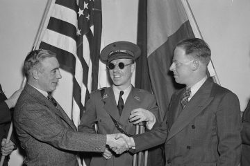 American veterans of the Abraham Lincoln Brigade who fought and were wounded in the Spanish Civil Ware reunited in Washington, DC in 1938. (Library of Congress Prints and Photographs Division)