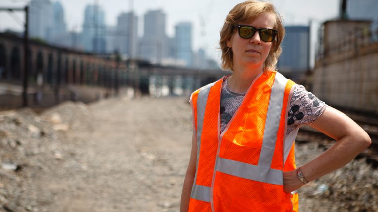Katharinia Grosse visits the project in the summer (Photo by Steve Weinik)