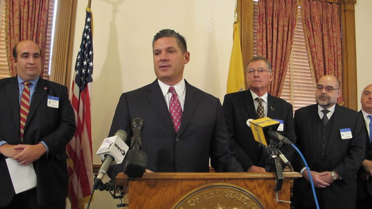 Assembly Majority Leader Lou Greenwald discusses his proposed legislation at a New Jersey Statehouse news conference. (Phil Gregory/WHYY)