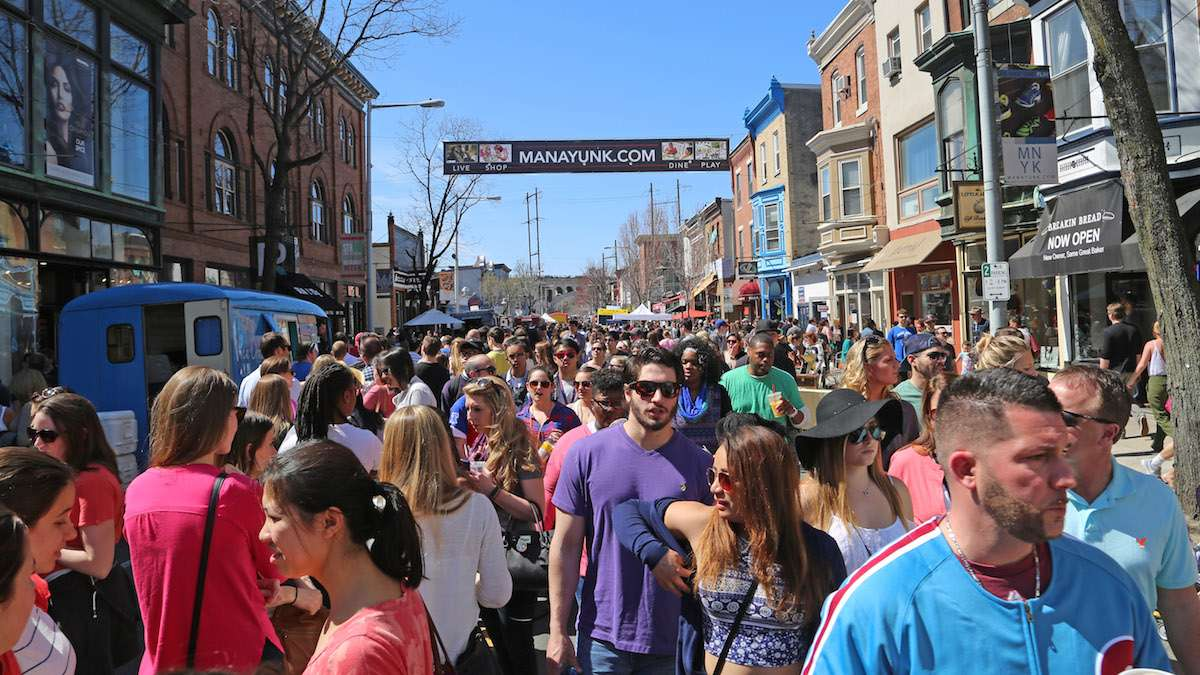 A packed Main Street during the spring Manayunk StrEAT Festival. (Natavan Werbock/for NewsWorks)