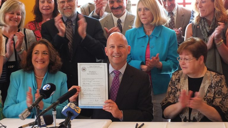 Del. Gov. Jack Markell signs House Bill 5, adding electronic smoking devices to Delaware's Clean Indoor Air Act.(photo courtesy of Del. Gov. Flikr page)