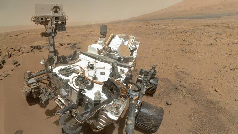 (photo courtesy NASA/JPL-Caltech/Malin Space Science Systems)