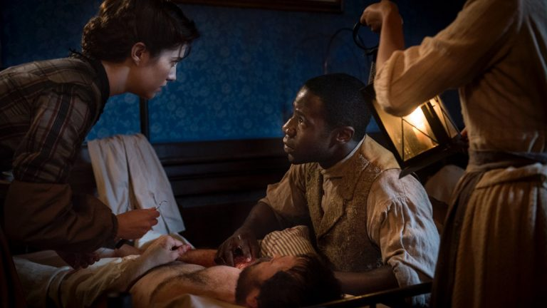 Nurse Phinney (Mary Elizabeth Winstead) and  Samuel Diggs (McKinley Belcher III) attend to a patient in