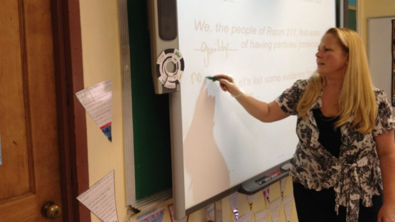 Fifth-grade science teacher Jacquie Kisiel is leading the charge to implement new science standards in Delaware. (Avi Wolfman-Arent, NewsWorks/WHYY)
