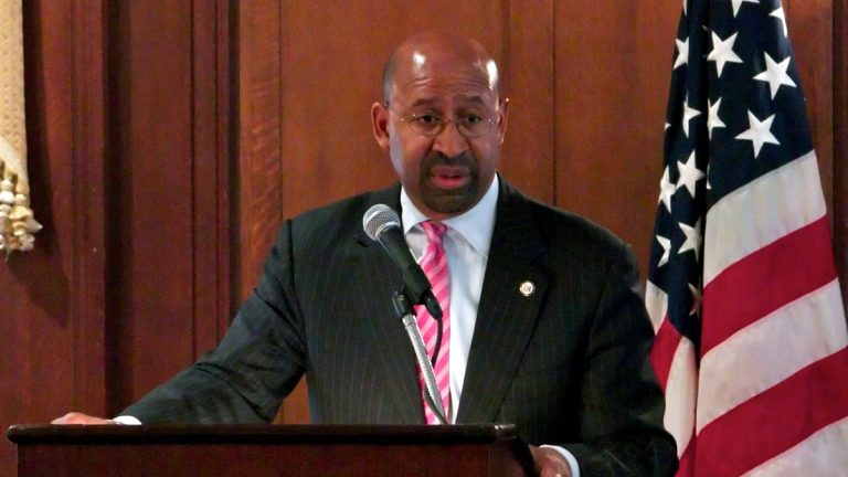 Mayor Michael Nutter hopes to persuade Democrats to hold their 2016 convention in Philadelphia. (NewsWorks file photo)
