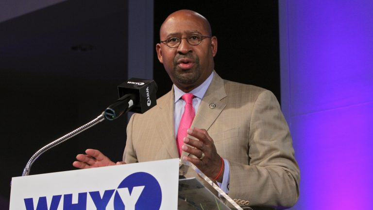 Mayor Michael Nutter calls for the dissolution of  the School Reform Commission by 2017. (Emma Lee/WHYY)