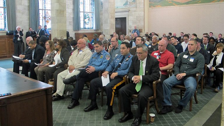 Opponents and supporters of the Atlantic City takeover measure pack New Jersey's Senate Budget Committee hearing room. (Phil Gregory/WHYY)