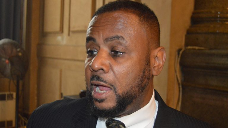Philadelphia Councilman Curtis Jones wants an independent police advisory commission to review the Philadelphia Police Department (Tom MacDonald/WHYY)