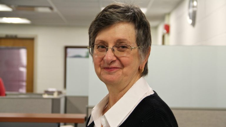 Elizabeth Mosher volunteered to take a test to see if she had a higher-than-average risk for dementia. (Emma Lee/WHYY)